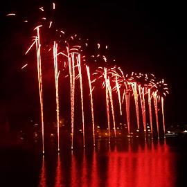 Malta International Fireworks Festival Valletta by Ruben  Paul - Abstract Fire & Fireworks ( red, malta, fujifilm, valletta, fireworks )