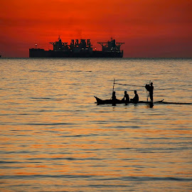 of ships and sunsets by Jimmy Hilario - Landscapes Sunsets & Sunrises ( red, ship, sunset, sea, ocean, fishing, boad, philippines, batangas,  )