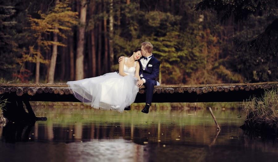 by Konrad Świtlicki-Paprocki - Wedding Getting Ready