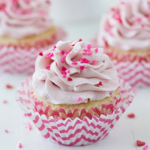 Vanilla Cupcakes with Strawberry Mascarpone Frosting