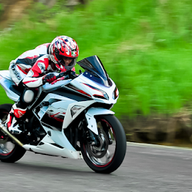 Ngebut by Agus Mahmuda - Sports & Fitness Motorsports ( panning, motorbike, motocross, speed, indonesia, sport, motorcycle, motorsport )