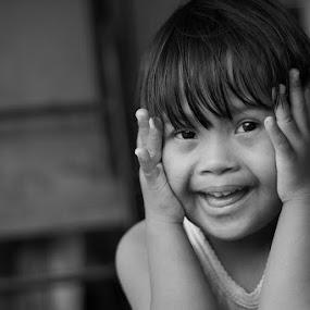 by Bram Antonius.T - Babies & Children Child Portraits