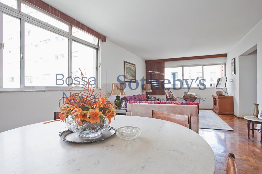 Apartamento com vista para o Clube Pinheiros