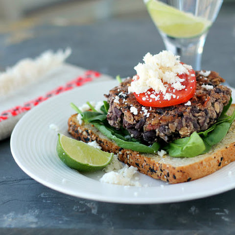 Easy Black Bean and Oat burgers