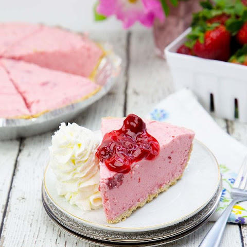 Frozen Yogurt Pie (two methods)
