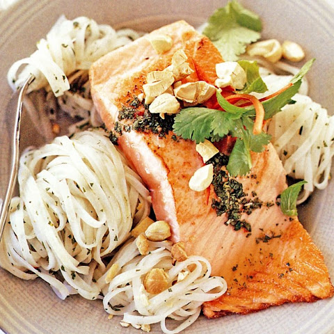 Salmon with Thai-style dressing