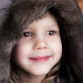 Winter joy by Mario Toth - Babies & Children Child Portraits ( child, girl, hood, close up, portrait )