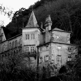 by Florindo Silva - Black & White Buildings & Architecture