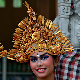 Bali by James Leicester - People Professional People