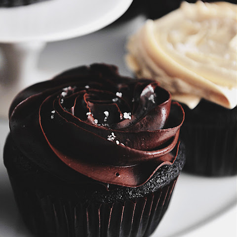 Banana Chocolate Fudge Cupcakes
