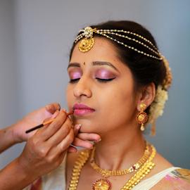 by Dhruv Ashra - Wedding Getting Ready (  )
