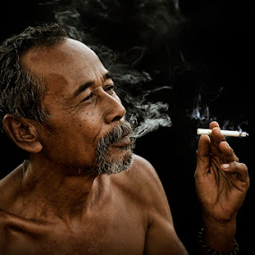 vapor by Chegu Diman - People Portraits of Men ( chegu diman uman interest manipulation )