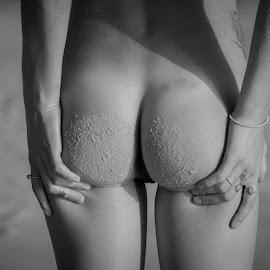 sandy butt by Daniel Jamieson - Nudes & Boudoir Artistic Nude ( blackandwhite, sand, b&w, girl, nude, butt, beach, sun )