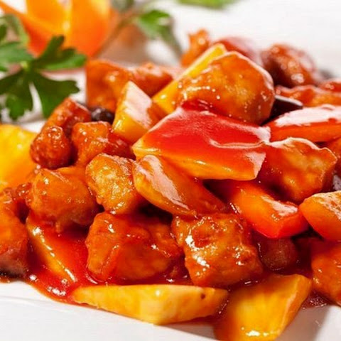 Chicken in sweet and sour Chinese sauce, ideal for diner.