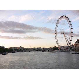 London's wheel  by Artemisa Bega - City,  Street & Park  Skylines ( cityscapes, wheel, london, sunset, city )