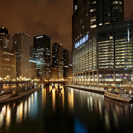 Chicago at Night by Jan Kiese - City,  Street & Park  Skylines ( city at night, street at night, park at night, nightlife, night life, nighttime in the city )