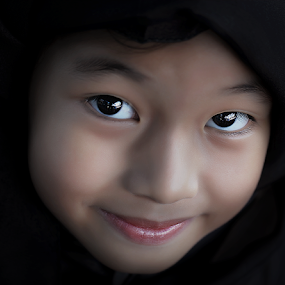 by Charina Sarcos-Creer - Babies & Children Child Portraits