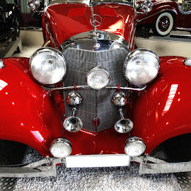 Very old Mercedes Benz by Gérard CHATENET - Transportation Automobiles (  )