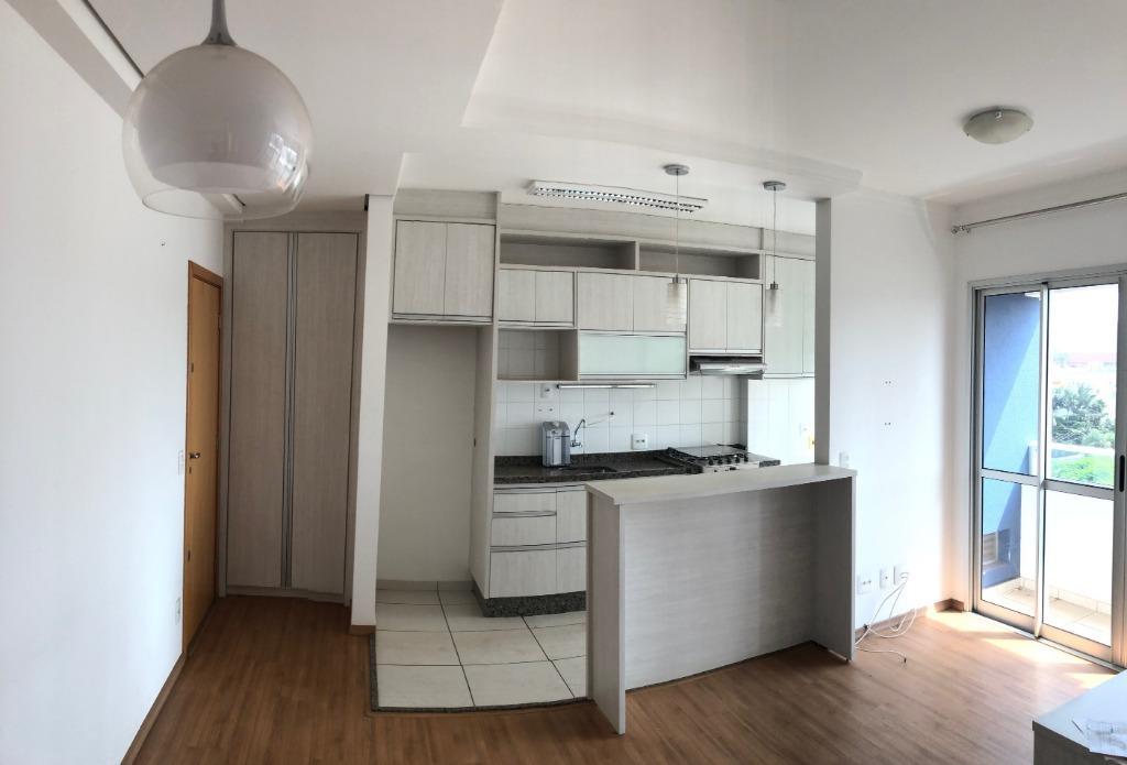 Apartamento com 3 dormitórios para alugar, 69 m² por R$ 1.340,00/mês - Terra Bonita - Londrina/PR