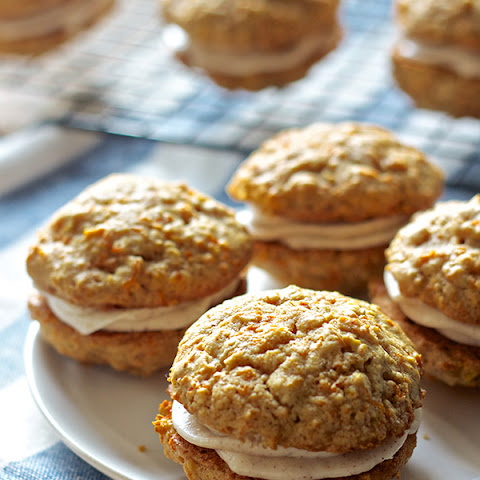 Carrot Cake Whoopie Pies Recipe | Yummly