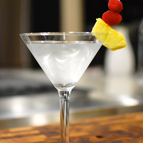 Roy's Hawaiian Martini (official recipe)