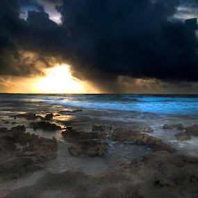 Sunrise by Cristobal Garciaferro Rubio - Landscapes Cloud Formations ( shore, sand, waterscape, mexico, cozumel, sea, sunrise, rocks )