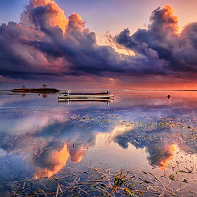 Mirror on the beach by Hendri Suhandi - Landscapes Cloud Formations ( bali, sanur, reflections, sunrise, beach, travel )