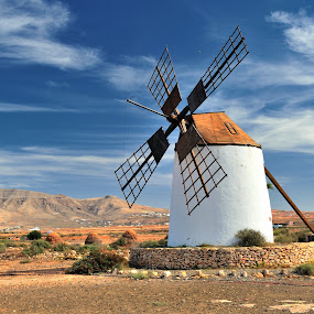 Windmill by Tomasz Budziak - Buildings & Architecture Public & Historical ( landscapes, spain, windmill,  )