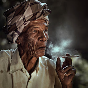 Pok Soh by Zulkifli Omar - People Portraits of Men ( oldman, senior citizen, man, portrait )