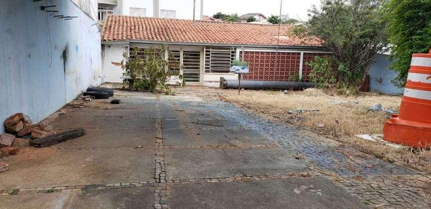 Casa Comercial com amplo terreno Jardim do Trevo