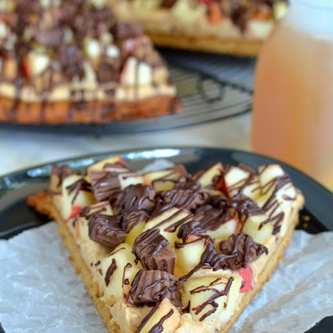 Peanut Butter Apple Pizza