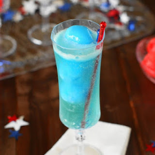 Red White & Blue Italian Ice Champagne Floats {& Kid-Friendly Version} (Printable recipe)