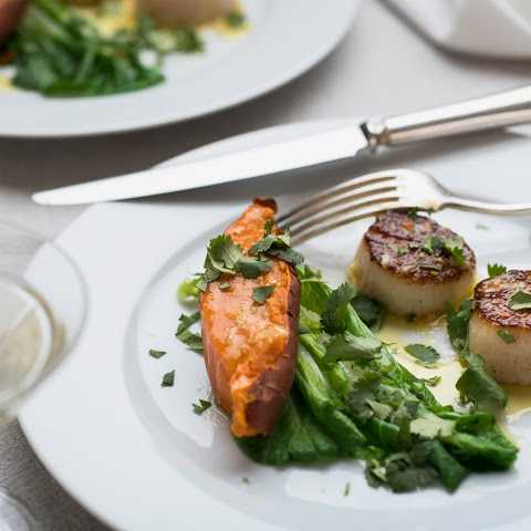 Crisp-Seared Sea Scallops With Ginger-Lime Butter