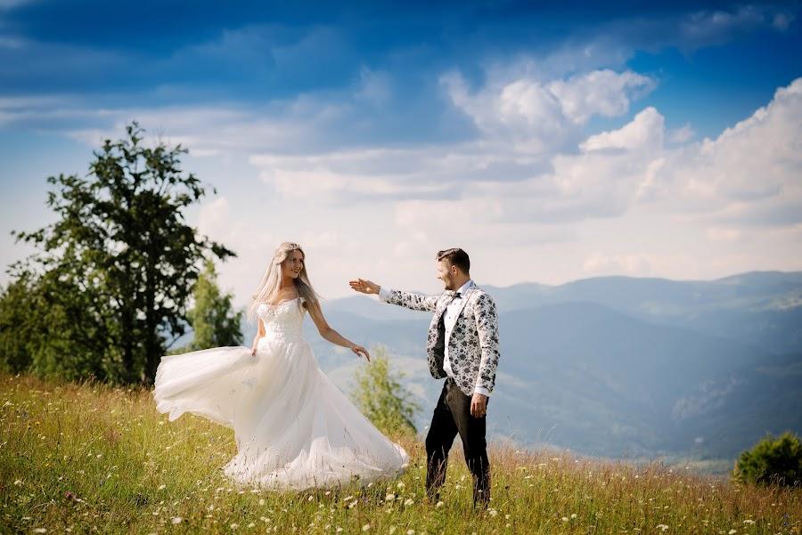 Dance with me by Klaudia Klu - Wedding Bride & Groom