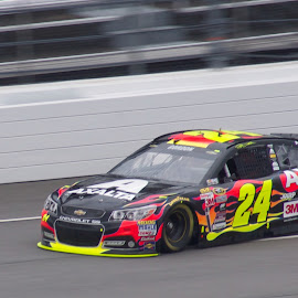 #24 (Jeff Gordon) by Richard Alford - Sports & Fitness Motorsports ( car, nascar, #24, speed, stock car, track, chevy, race, motorsports, panning, hendrick motorsports, chevrolet, racing, drive, speedway, racer, ss, driver, martinsville speedway, motion, fast, jeff gordon, hms )