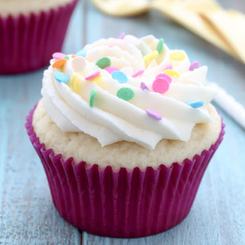 White Cupcakes with Vanilla Buttercream Frosting