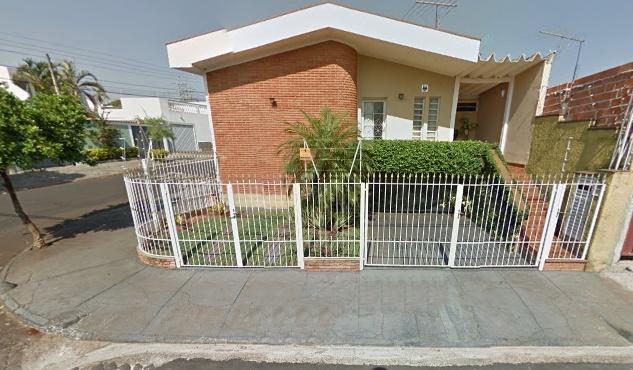 Casa com quartos para Alugar, 95 m²