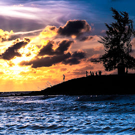 Leaving by Andrian Andrew - Novices Only Landscapes ( sunsets, sunset, seascape, beach, landscape )