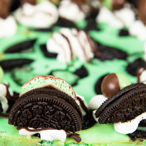 Mint Oreo Cheesecake