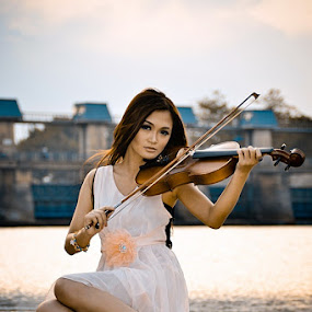 Sweet Melody by Juang Rahmadillah - People Portraits of Women ( model, sunset, woman, portrait )