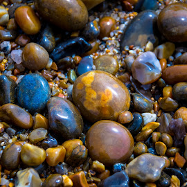 by Darrell Raw - Nature Up Close Rock & Stone