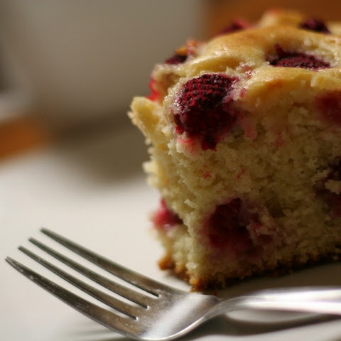 Pear and berry Cake