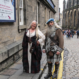 Scotland couple by Judy Smith - Novices Only Portraits & People ( scotland, kilt, streetscene, edinburg, costume )