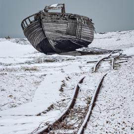 by Ian Pinn - Transportation Boats ( rails, cold, kent )