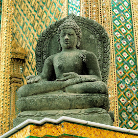 by Cal Brown - Buildings & Architecture Architectural Detail ( bangkok, buddhism, building, grand palace, travel location, thailand, architectural detail, architecture, travel photography, Buddhism )