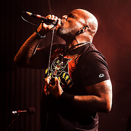 Derrick Green, Sepultura by Paweł Mielko - People Musicians & Entertainers ( concert, vocal, concert photography, sepultura, derrick green, guitars, stage, warsaw, vocalist, poland, lights, metal, trashmetal, guitar, on stage, gig, live )
