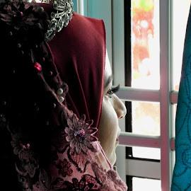 Where by Sultan Firaun - Wedding Getting Ready