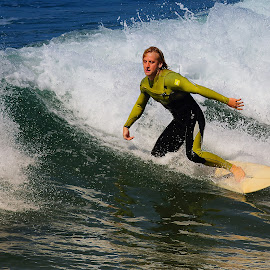 Glisse, glisse ma Belle ! by Gérard CHATENET - Sports & Fitness Surfing