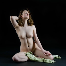 Albi by John McNairn - Nudes & Boudoir Artistic Nude