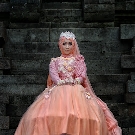 Queen of the Day by Mardi Tri Junaedi - Wedding Bride ( #temple, #beautifull, #queen )